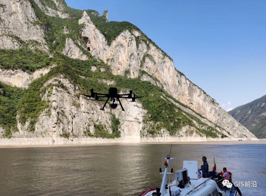 长江绝壁近景摄影测量